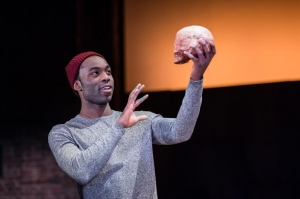 hamlet-production-photos_-march-2016_2016_photo-by-manuel-harlan-_c_-rsc_187346.tmb-img-912